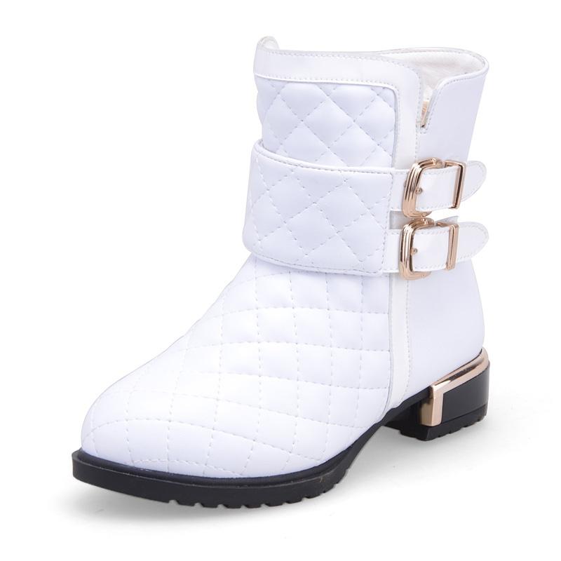 白色冬靴怎么搭配