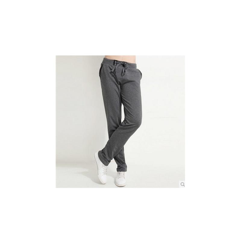 灰色卫裤搭配什么颜色