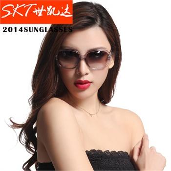 SKT2013春夏潮流 大牌女士防紫外线太阳镜 时尚墨镜3107S 大框