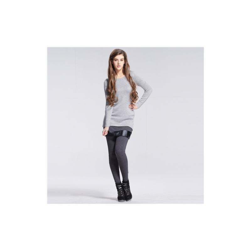 灰色毛衣可以搭配牛仔裤图片