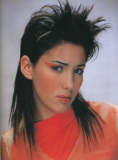 新潮发型集萃——世界著名发型设计师美发丛书